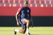 Benjamin-Mendy-trains-with-Manchester-City-for-the-first-time